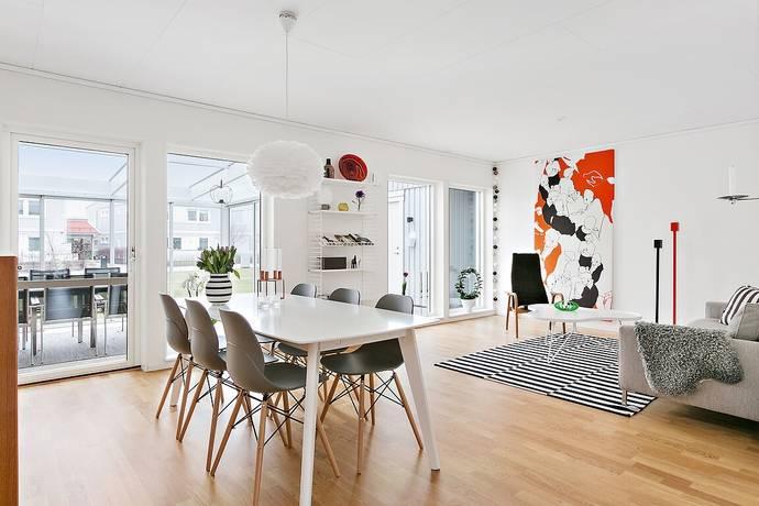 Bild: 5 rum villa på Frögatan 5, Linköpings kommun LAMBOHOV