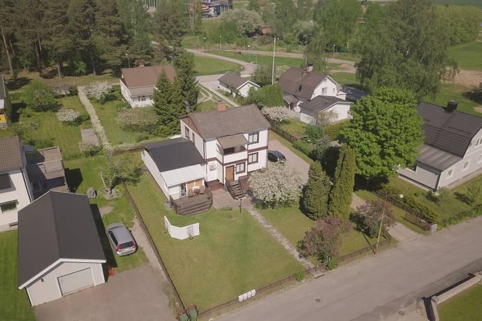 Bild: 7 rum villa på Knektvägen 7, Kumla kommun Kumla