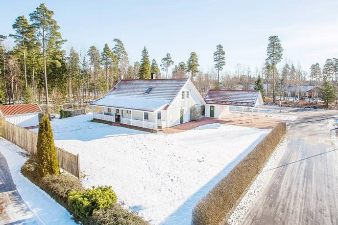 Bild: 6 rum villa på Rälsvägen 35, Kalmar kommun Ljungbyholm
