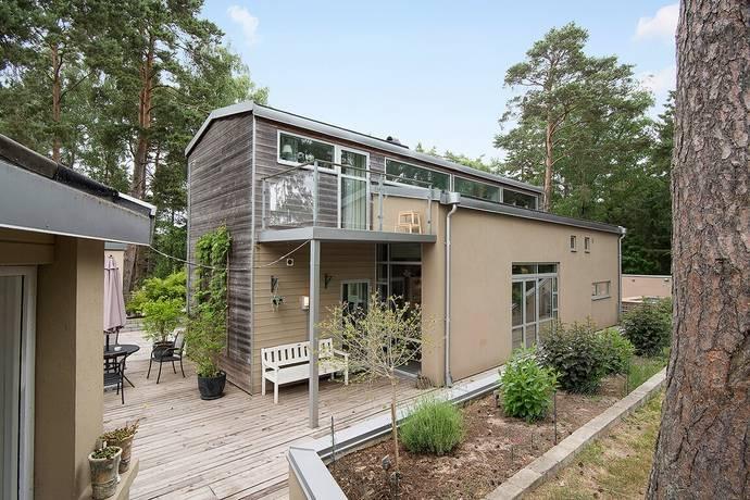 Bild: 4 rum villa på Stora Byvägen 32, Landskrona kommun Saxtorpsskogen
