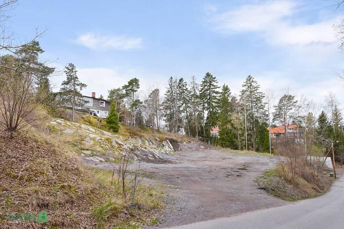 Bild: tomt på Hasselbacken 13, Värmdö kommun Kolvik