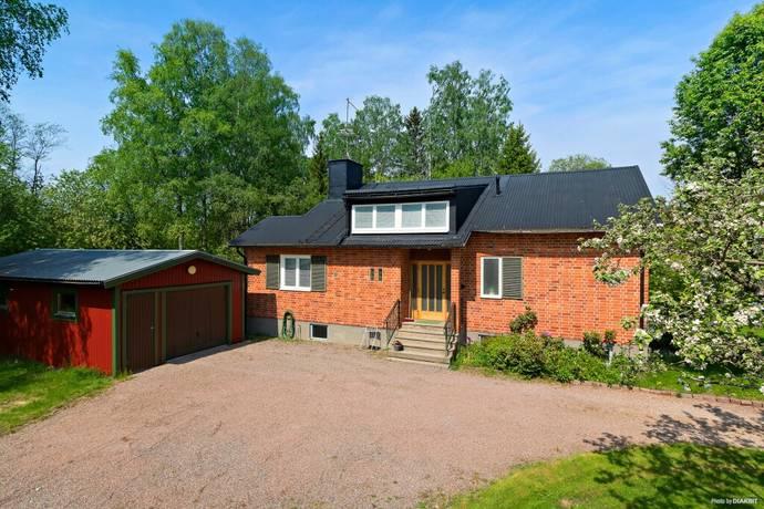 Bild: 6 rum villa på Skedlovägen 2, Sundsvalls kommun