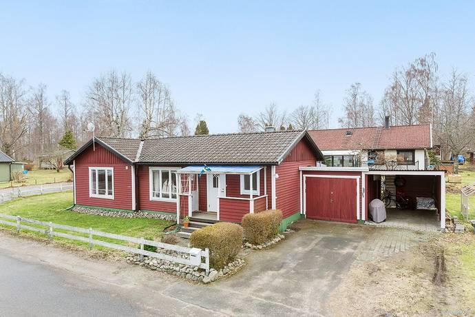 Bild: 5 rum villa på Björkgatan 21, Karlsborgs kommun Mölltorp