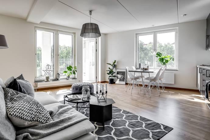 Bild: 2 rum bostadsrätt på Klädesvägen 38, Stockholms kommun Bromma Brommaplan