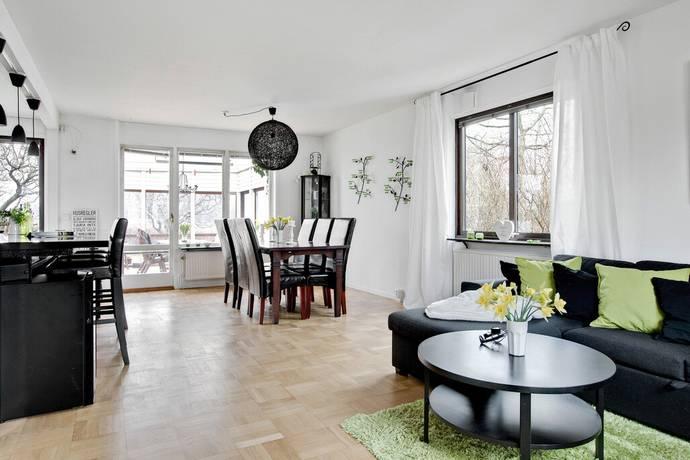 Bild: 5 rum villa på Oxbärsgatan 9, Svedala kommun Bara
