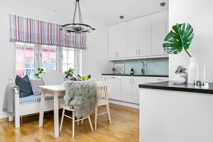 Bild: 3 rum bostadsrätt på Grenadjärgatan 3F, Örebro kommun Rynningeåsen