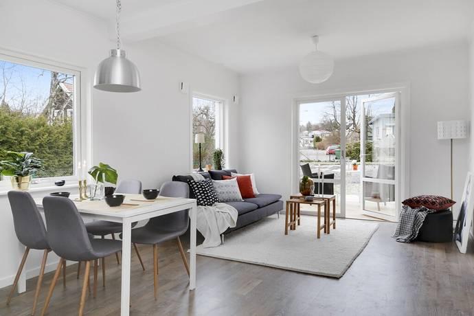 Bild: 3 rum radhus på Lillebovägen 19 D, Sollentuna kommun Fågelsången/Helenelund