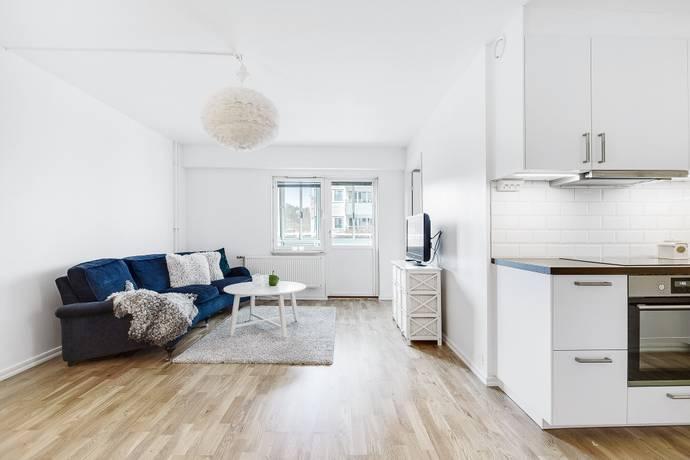 Bild: 2 rum bostadsrätt på Hallonbergsplan 18, vån 1, Sundbybergs kommun Hallonbergen/ Sundbyberg