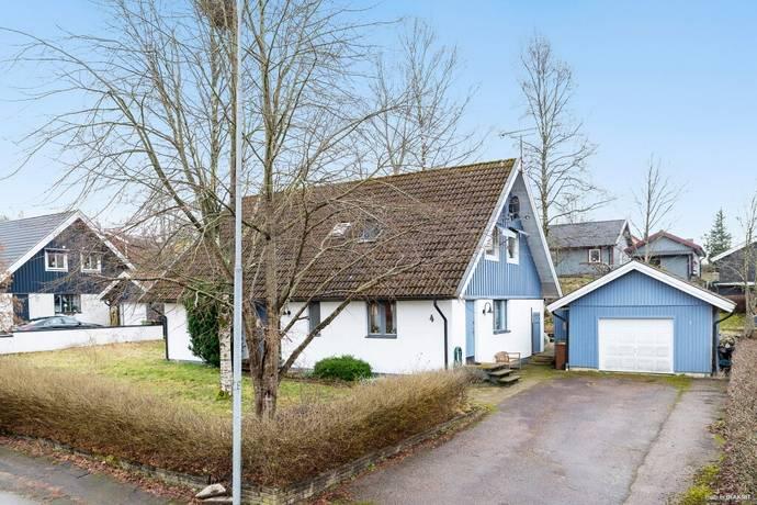 Bild: 6 rum villa på Pionvägen 4, Hylte kommun Staffansbo