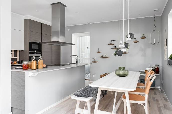 Bild: 114 m² radhus på Poesigränd 7, Linköpings kommun Vallastaden