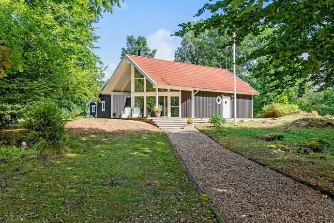 Bild: 4 rum villa på Ängahagsvägen 4, Ljungby kommun Hölminge