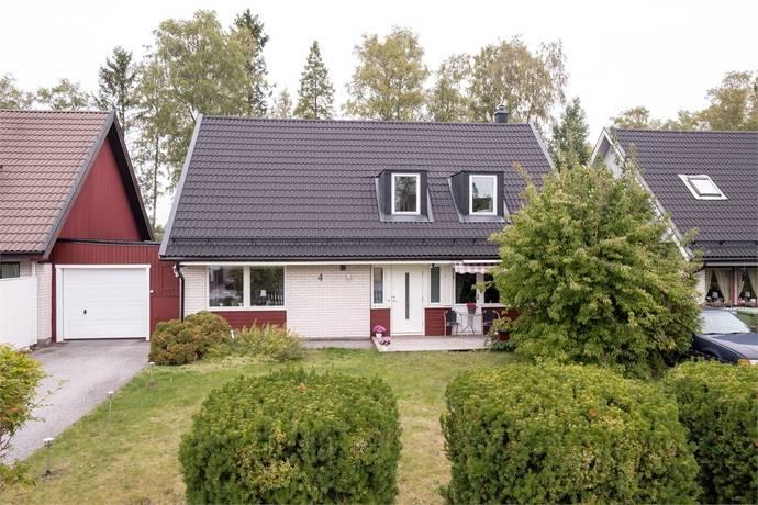 Bild: 6 rum villa på Giggvägen 4, Håbo kommun Bålsta - Eneby