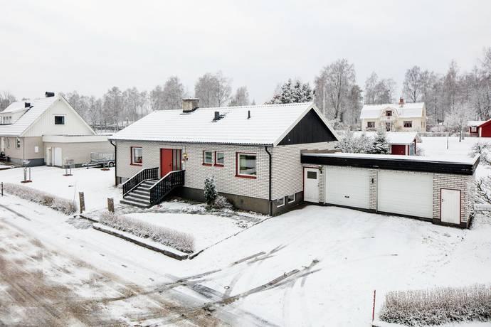Bild: 5 rum villa på Sälggatan 2, Gislaveds kommun Smålandsstenar