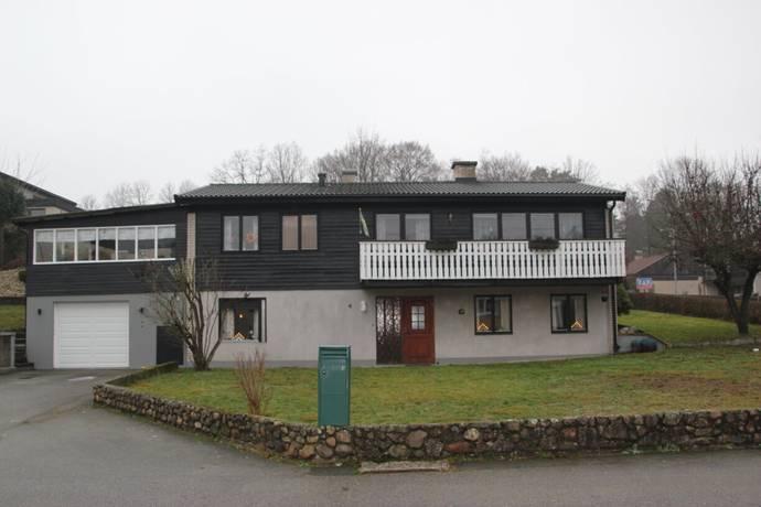 Bild: 6 rum villa på Stråvägen  4, Olofströms kommun Olofström (Oredslund)