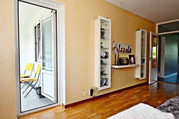 Bild: 3 rum bostadsrätt på Vänortsstråket 67A, Sollentuna kommun Tureberg