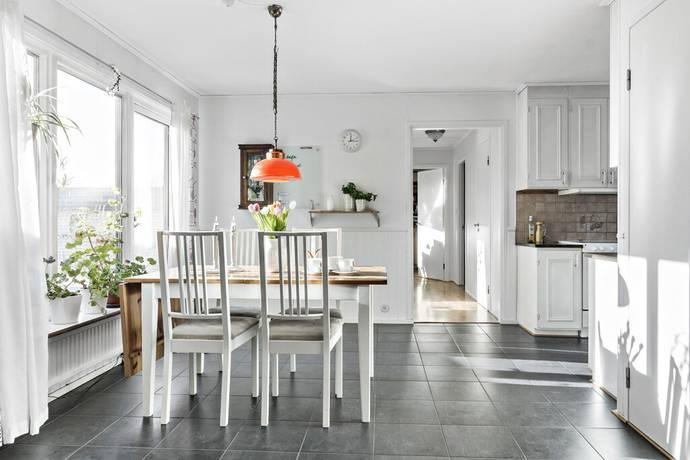 Bild: 7 rum villa på Musikgatan 36, Ystads kommun Svarte