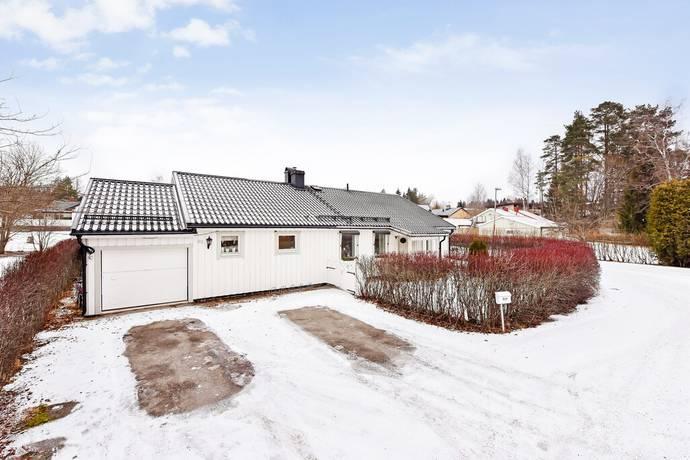 Bild: 6 rum villa på Lindesnäsvägen 49, Gävle kommun Hagaström