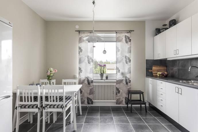 Bild: 4 rum bostadsrätt på Bergslagsvägen 119A, Köpings kommun Kolsva