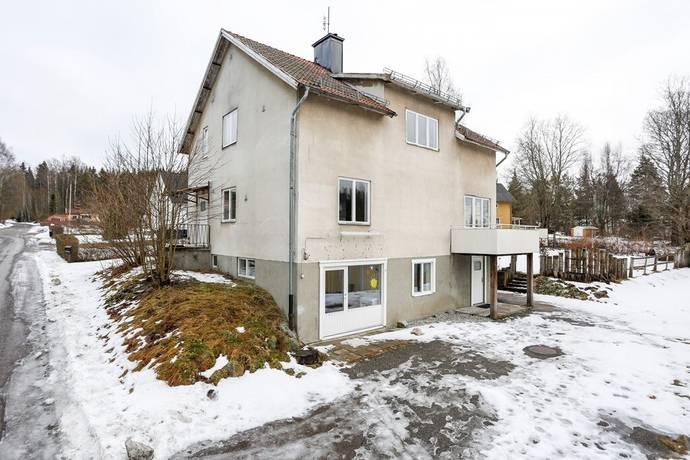 Bild: 8 rum villa på Bergstigen 2, Skinnskattebergs kommun Centralt