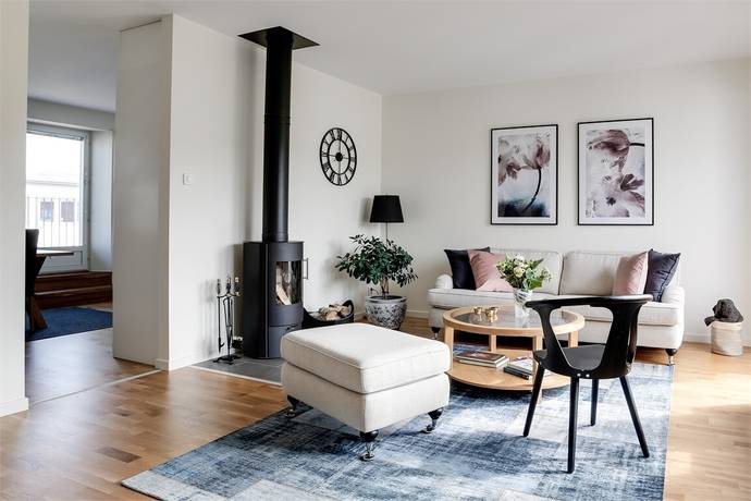 Bild: 3 rum bostadsrätt på Karlsdalsallén 57, Örebro kommun Sörbyängen