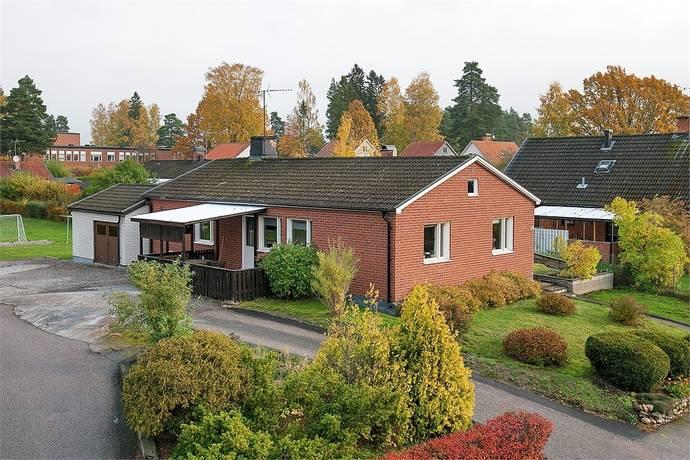 Bild: 4 rum villa på Oddergatan 26, Katrineholms kommun Väster