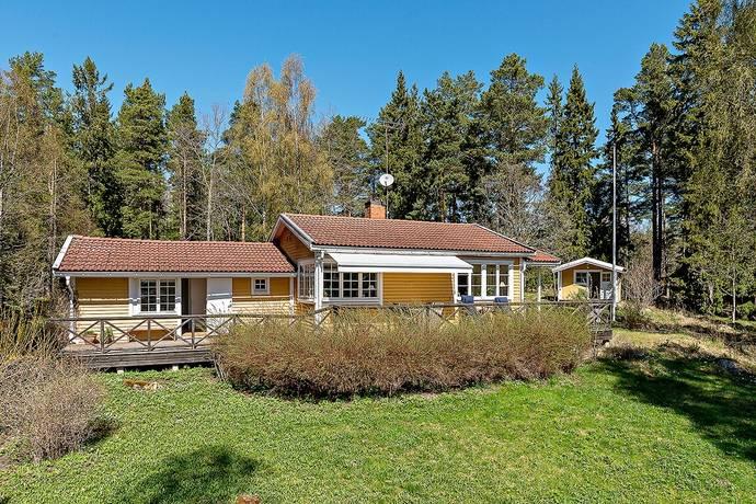 Bild: 3 rum fritidshus på Bergsvikssjövägen 102, Norrtälje kommun Vätö