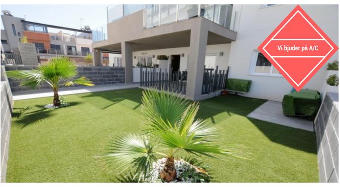 Bild: 4 rum radhus på Stora Ytor, Fina material, Bra Läge, Spanien Klipp -Bungalow med Trädgård