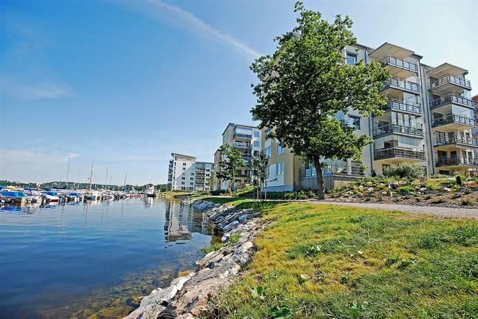Bild: 6 rum bostadsrätt på Kristoffer Huldts Väg 12, Järfälla kommun Bolinder Strand