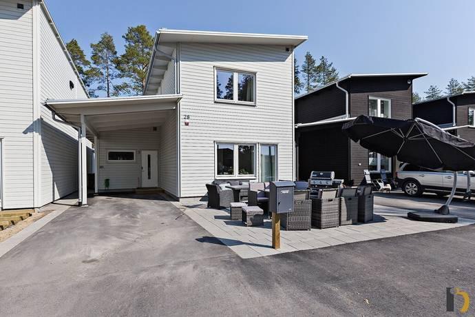 Bild: 5 rum villa på Honungsvägen 28, Umeå kommun Umedalen