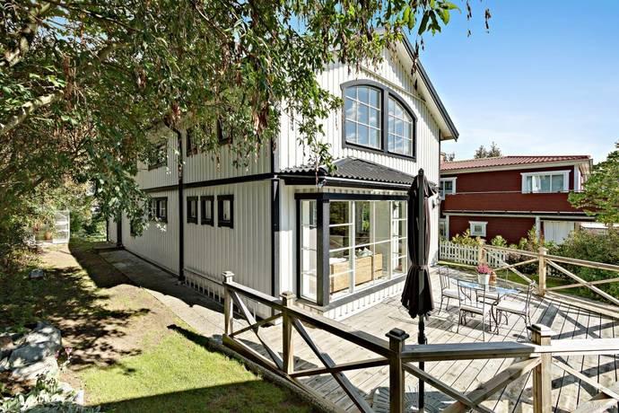 Bild: 199 m² villa på Stockeldsvägen 28A, Stockholms kommun Spånga - Sundby