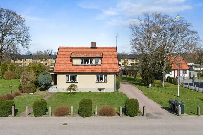 Bild: 5 rum villa på Landshövdingevägen 19, Örkelljunga kommun Åsljunga