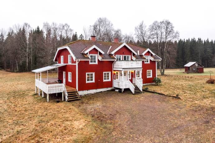 Bild: 9 rum gård/skog på Bön Slänning 1, Bengtsfors kommun