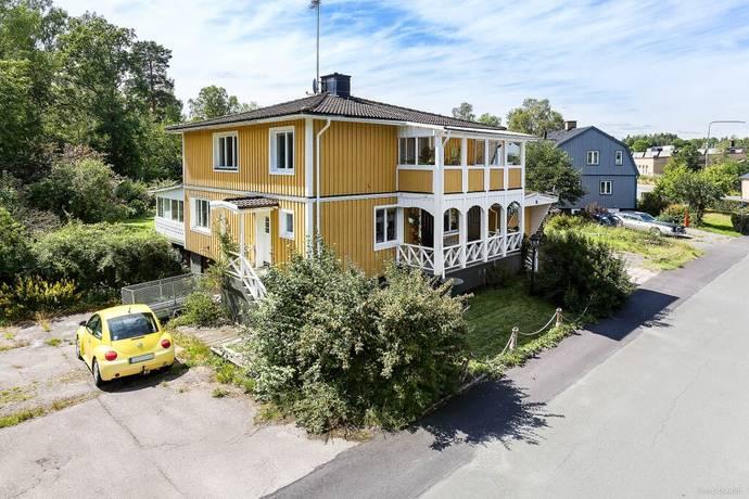 Bild: 7 rum villa på Ågatan 2, Nässjö kommun