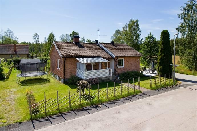Bild: 6 rum villa på Syrengatan 13, Gullspångs kommun Skagersvik