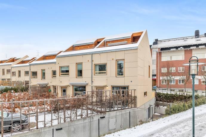 Bild: 5 rum radhus på Bergåsstigen 2A, Danderyds kommun Danderyd - Klingsta