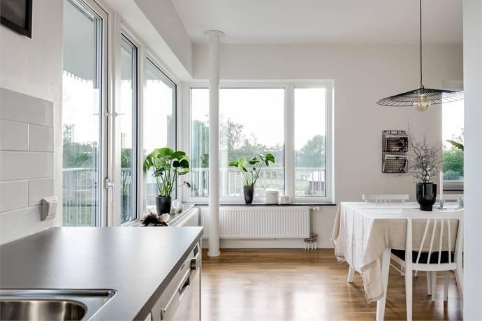 Bild: 4 rum bostadsrätt på Lillbackavägen 7, Örebro kommun Södra Ladugårdsängen