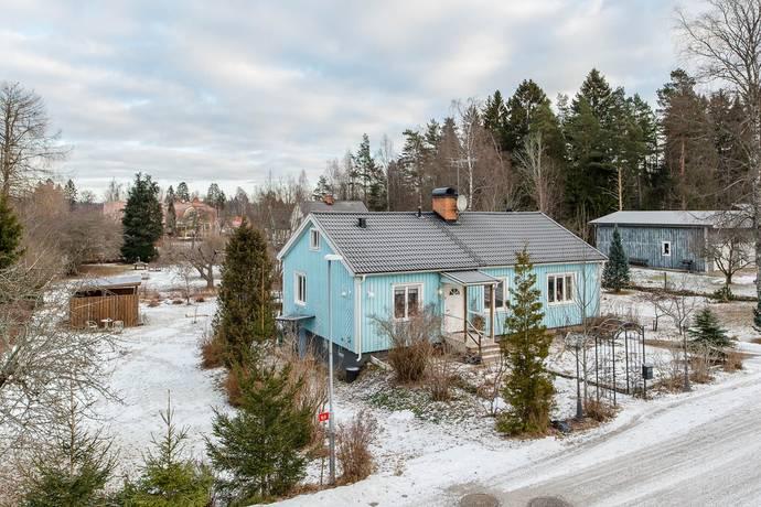 Bild: 4 rum villa på Bergsundsvägen 3, Flens kommun Hälleforsnäs