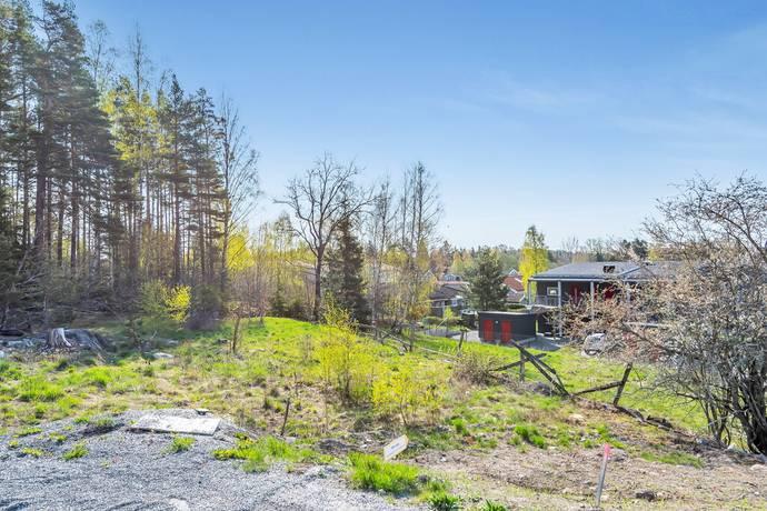 Bild: tomt på Havtornsvägen 10, Norrtälje kommun Solbacka