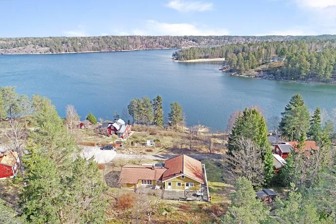 Bild: 6 rum villa på Ejderdunsvägen 20, Värmdö kommun Norra Ingaröstrand