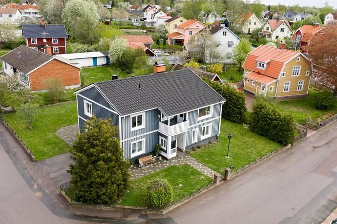 Bild: 6 rum villa på Överumsgatan 5, Vimmerby kommun