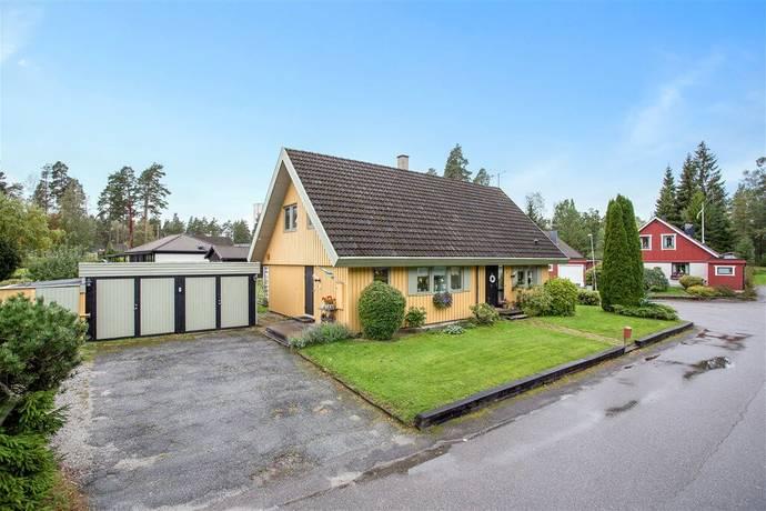 Bild: 5 rum villa på Tallbacksgatan 4, Lindesbergs kommun Frövi