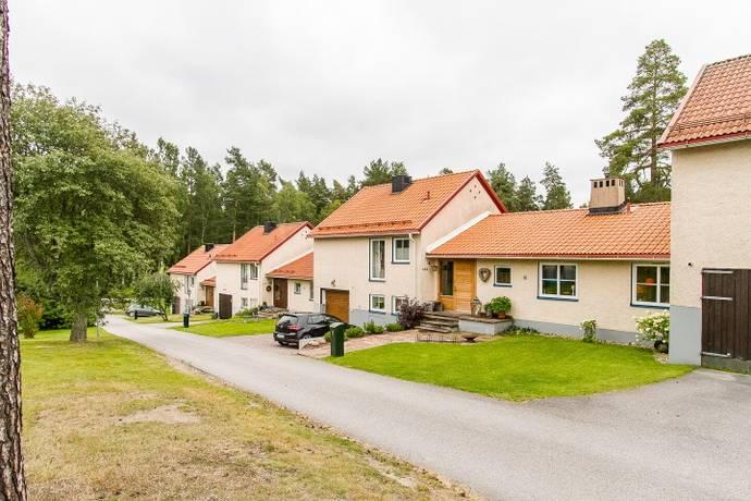 Bild: 5 rum radhus på Hedåsvägen 49 B, Sandvikens kommun Hedgrind