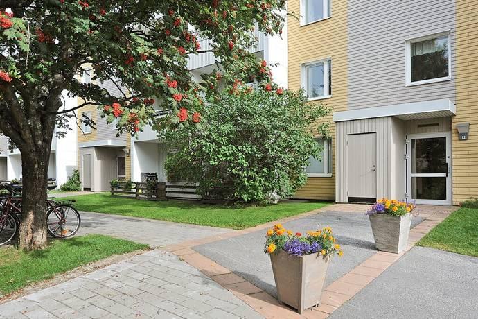 Bild: 3 rum bostadsrätt på Bärnstensvägen 12, Umeå kommun Carlshem