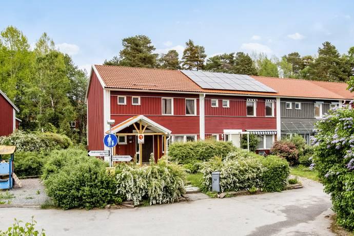 Bild: 5 rum radhus på Snårvindevägen 60, Stockholms kommun Hässelby