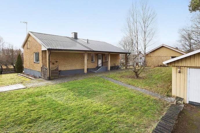 Bild: 4 rum villa på Torlarpsvägen 4, Ljungby kommun Lagan / Åby