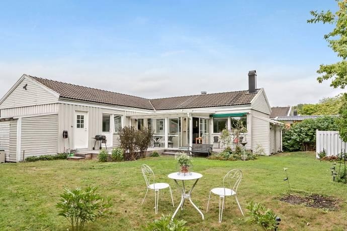 Bild: 4 rum villa på Backlöksvägen 79, Stockholms kommun Hässelby Villastad - Norra