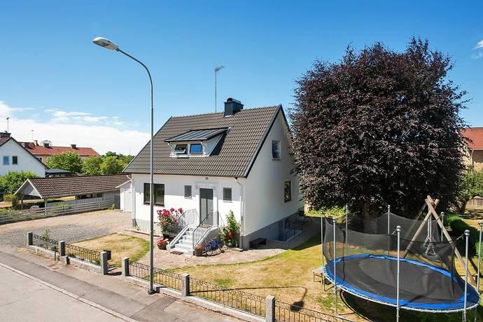 Bild: 4 rum villa på Gärdesgatan 12, Älmhults kommun Elmiersområdet
