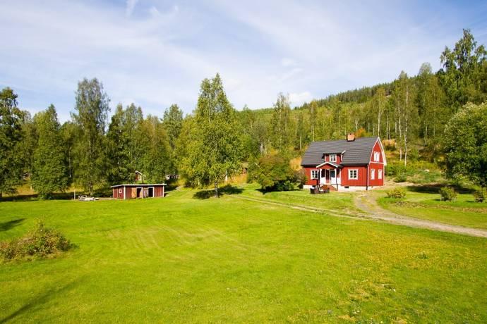 Bild: 5 rum villa på Rottnaberg 10, Torsby kommun Lekvattnet