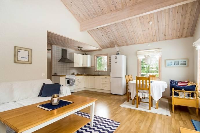 Bild: 4 rum fritidshus på Östra Lackeviksvägen 39, Östhammars kommun Lackeviken