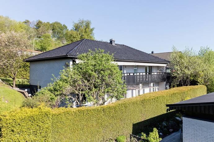 Bild: 8 rum villa på Stora Postegårdsgatan 27, Göteborgs kommun Hisings Backa Tingstad